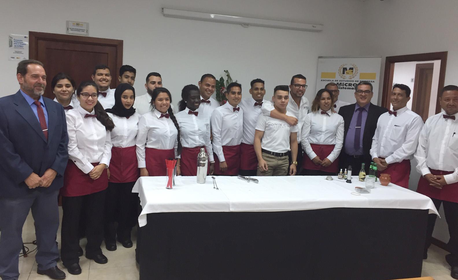 Un Campeón de España de Barmans visita el Centro Integrado de FP MICROSISTEMAS para impartir una masterclass