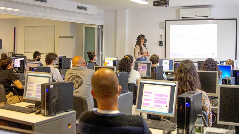 MICROSISTEMAS inicia sus charlas de formación complementaria con el alumnado del Ciclo Oficial de Técnico Superior en Dietética